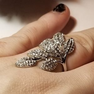 Stunning Topaz Leaf Ring